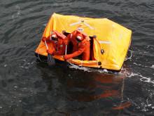Övning med livflotte