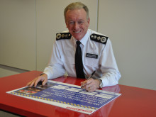 The Commissioner signs the Mind Blue Light Time to Change Pledge