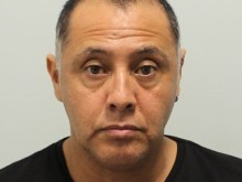 Prolific bag thief jailed