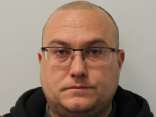Police officer jailed for theft and fraud