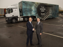 Vision Express joins Road Haulage Association to urge motorists to safeguard their licence with an eye health MOT for Road Safety Week 2015