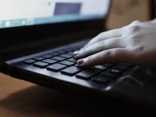Unik stödgrupp på nätet för tjejer som mobbats