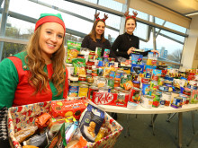 Food for thought – students collect donations for those in crisis