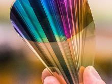 Böjbart elektroniskt papper visar hela färgskalan