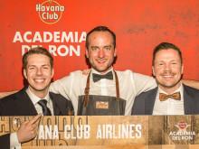 Ticket für Kuba: Gratulation von Christian Balke, Brand Ambassador von Havana Club (rechts) an Marian Krause (links) und Lars Bender (Mitte).