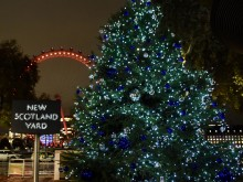 Met thanks Londoners for donations to Christmas Tree Appeal