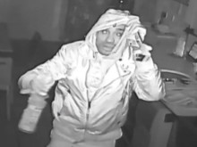 Wandsworth burglary: Do you recognise this man?
