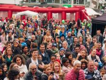 Publikhav vid scenen Vällingbydagarna 2017
