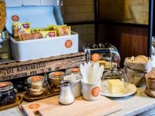 Schärs glutenfria bröd finns nu på Scandics frukostbuffé