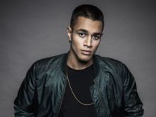 Idolvinnaren Liam Cacatian Thomassen drar igång Sverigeturné i Nordstan imorgon.