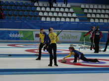 Curlinglagen mot slutspel i Universiaden