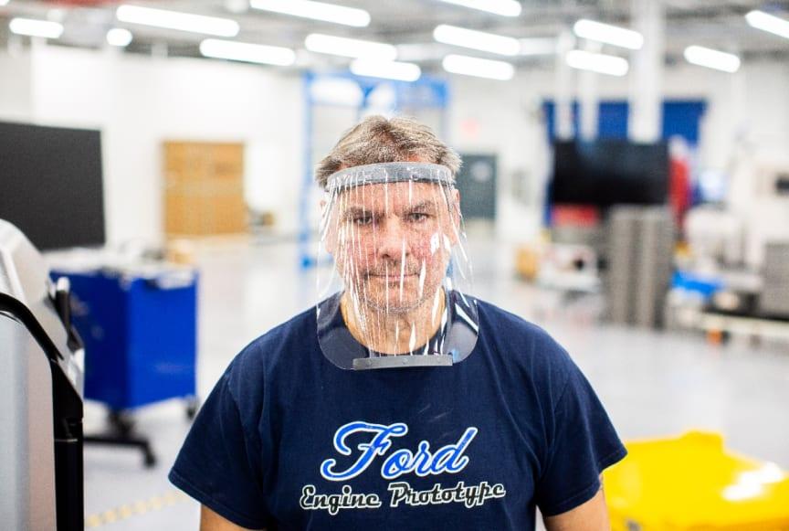 Ford producerer ansigtsmasker og respiratorer