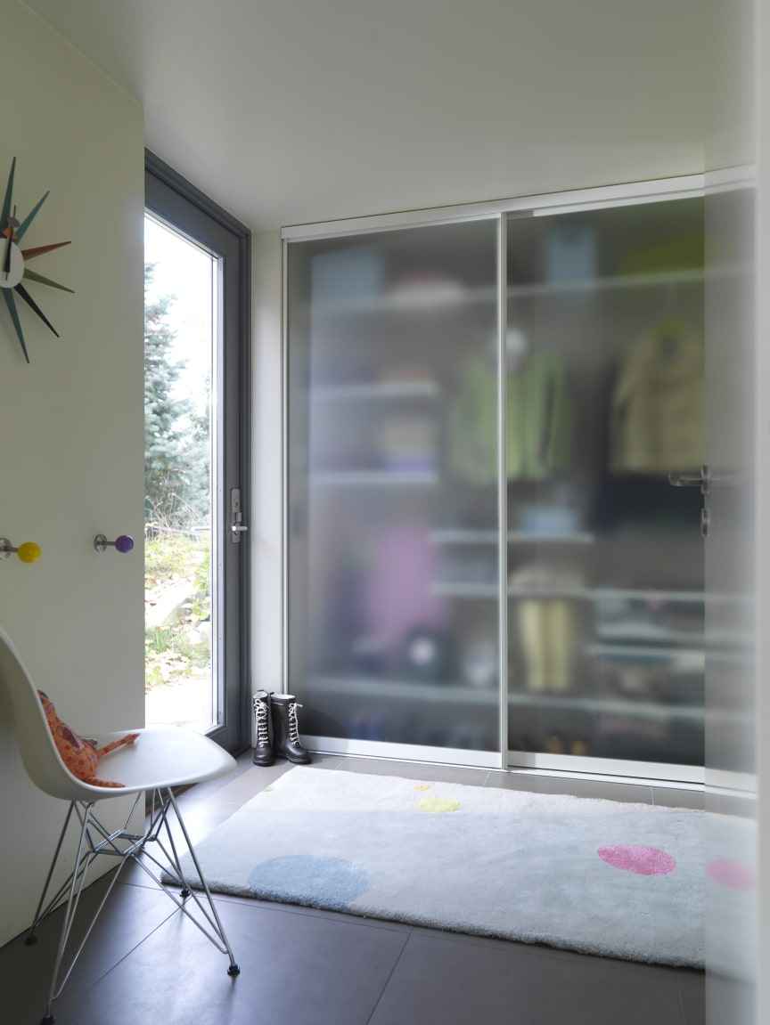 Elfa, skydedøre Vista Plain og Classic indretning