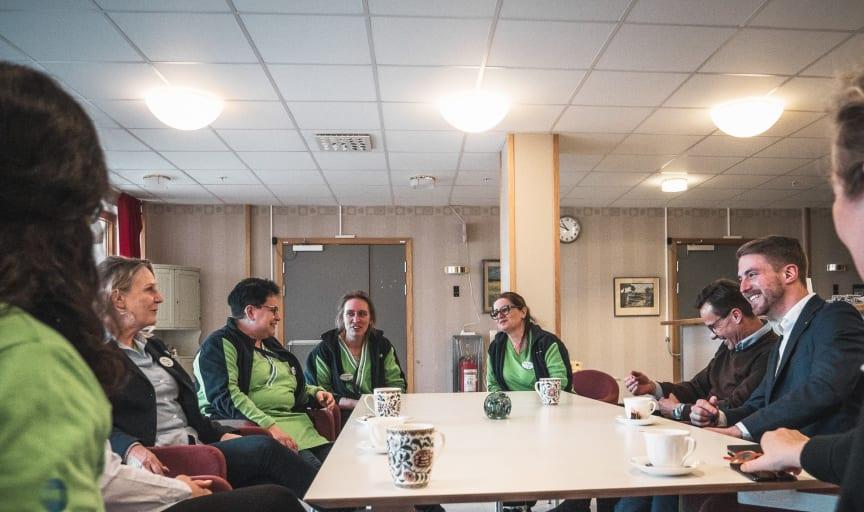 Ulf Kristersson besöker Förenade Care