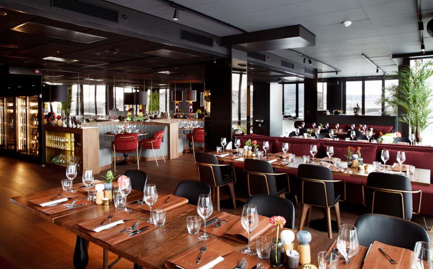 TOMME RESTAURANTER: Uten gjester å servere, er det stor kapasitet på kjøkken- og servicepersonell.