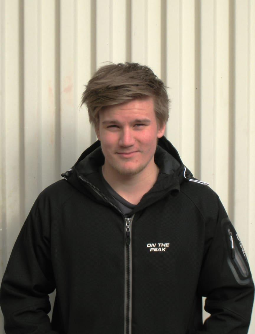 """Dennis Karlsson, Karlskrona, finalist i """"SM för unga plåtslagare 2013""""."""