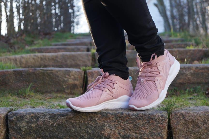 Sneakers : Moteklær & Motesko Online Til Kvinner