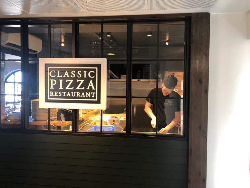 Classic Pizza Restaurant