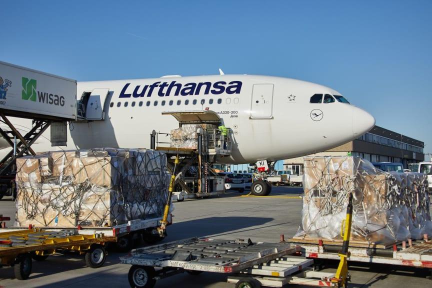 A330_Loading