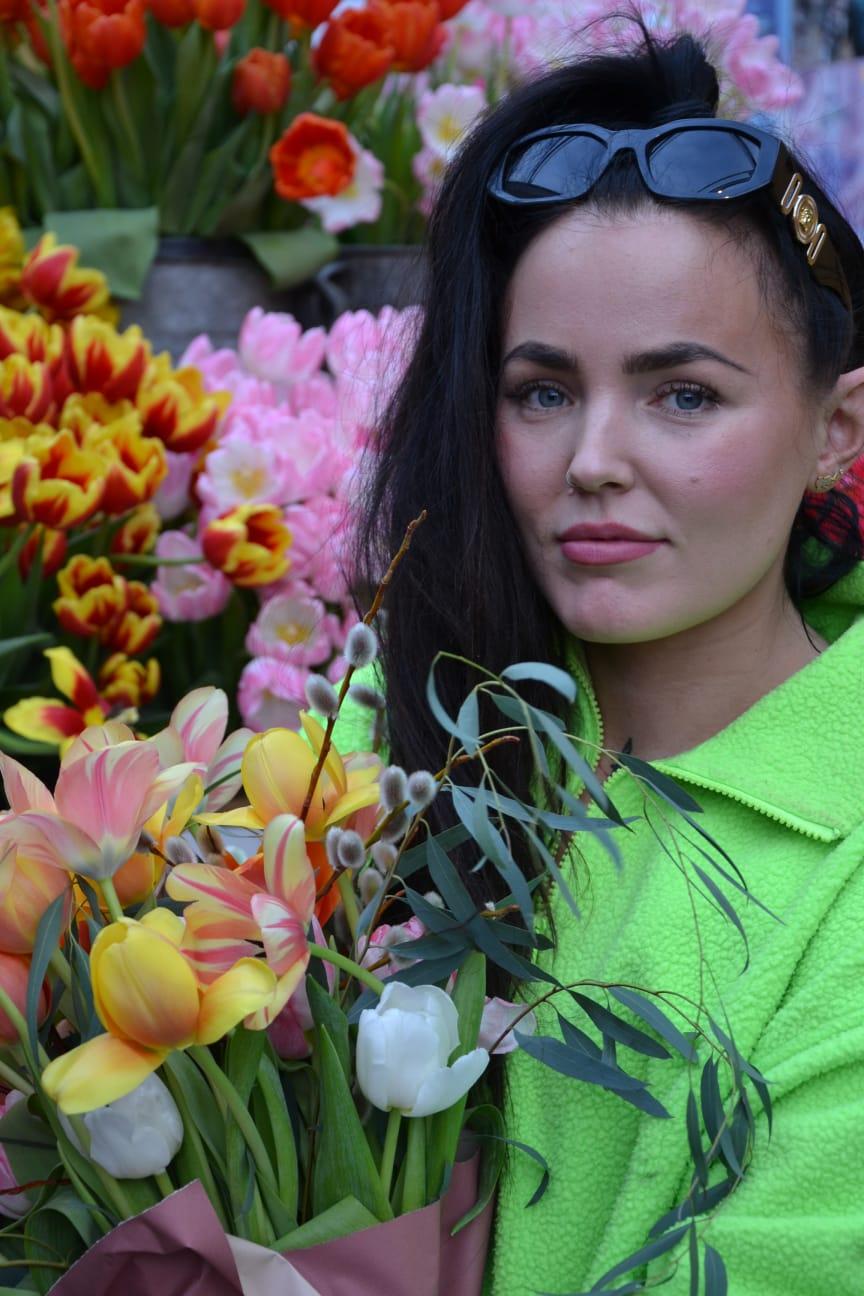 Miriam Bryant uppträder på Blomsterfrämjandets och MixMegapols tulpankonsert