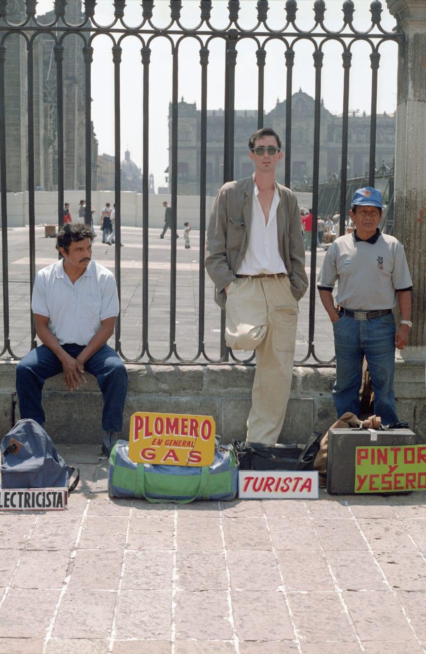 Francis Alÿs, Turista (Tourist), 1994, Mexico City.
