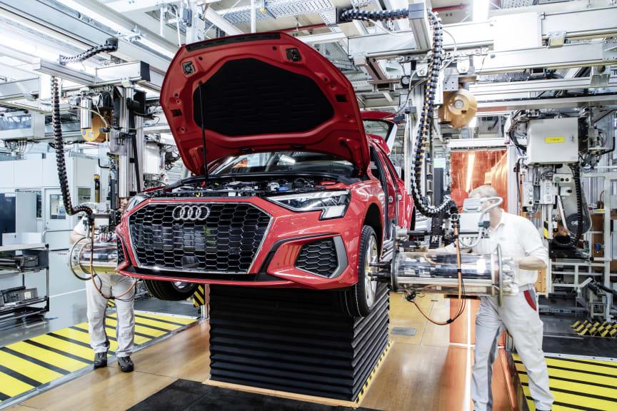 Audi A3 Sportback på produktionslinjen på Audi-fabrikken i Ingolstadt