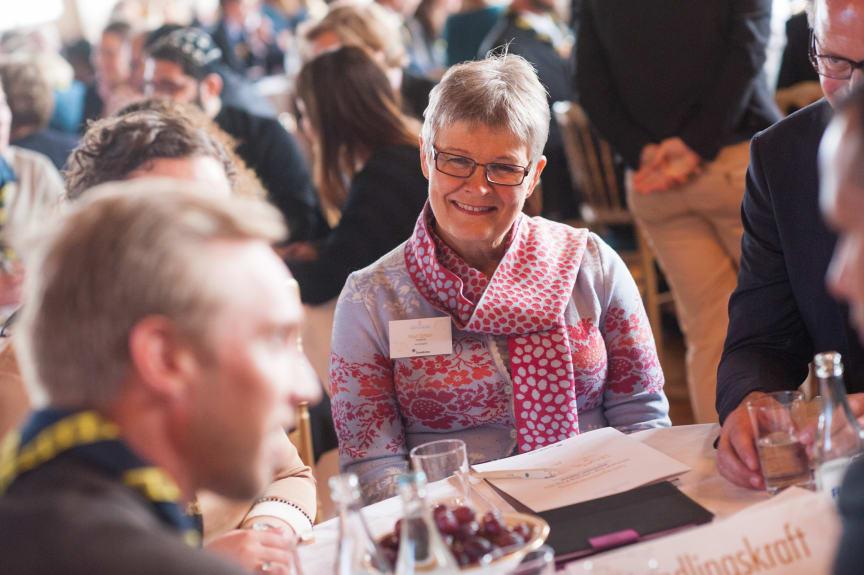 Maud Olofsson vid rundabordsamtal på seminariet Ungt Ledarskap 2014.