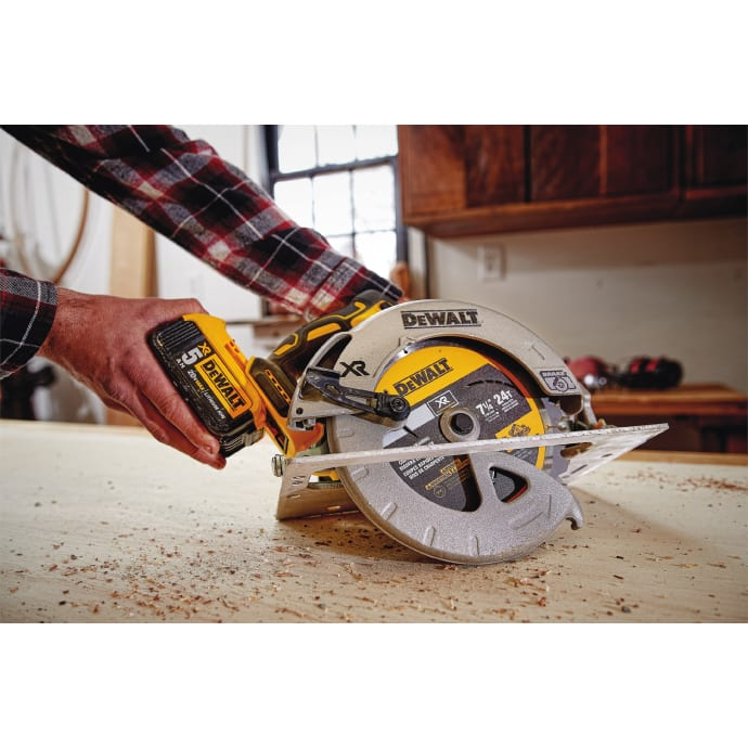 Dewalt announces new 20v max cordless circular saw dewalt usa towson md may 8 2017 dewalt announces the new 20v max xr 7 14 circular saw dcs570 adding to the growing 20v max system now totaling over 100 keyboard keysfo Gallery