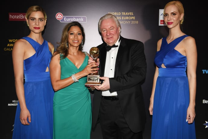 Αποτέλεσμα εικόνας για Norwegian Cruise Line celebrates top cruise honour at World Travel Awards in Athens
