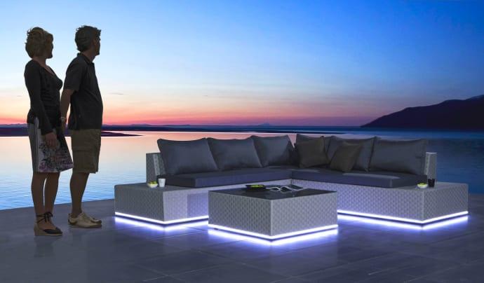 Årets havenyhed: Lysende loungemøbler - Bauhaus
