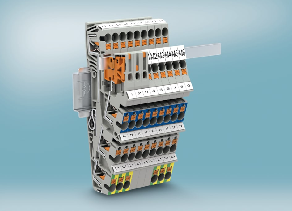 Building installation with push-in three-level terminal