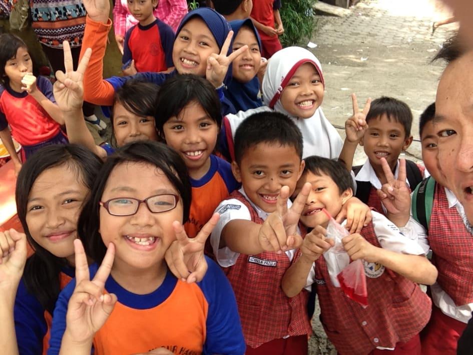stödja fattiga barn i sverige