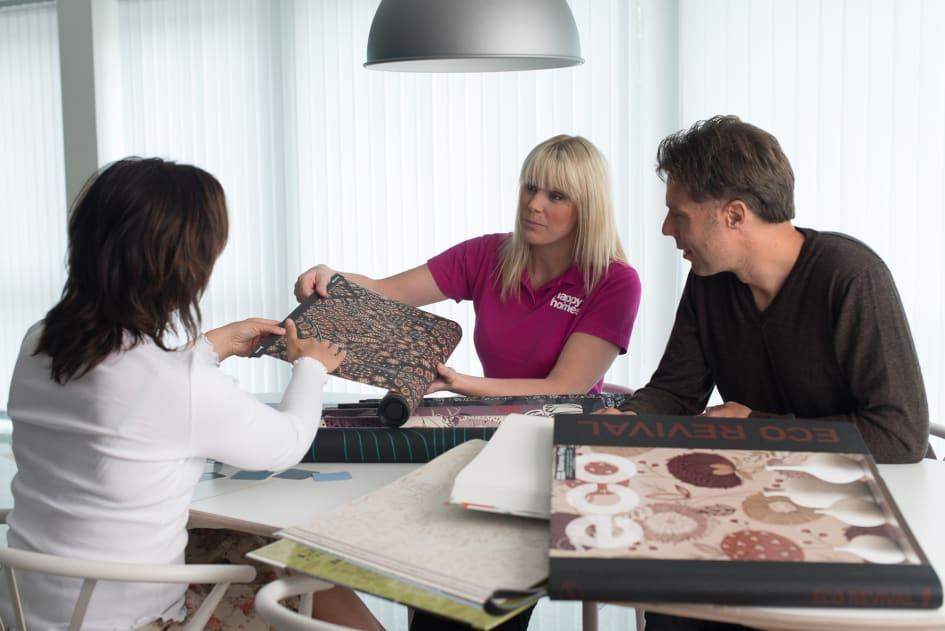 Stort fokus läggs på hur man bygger egna möbler och hur man renoverar 606258be7ca75