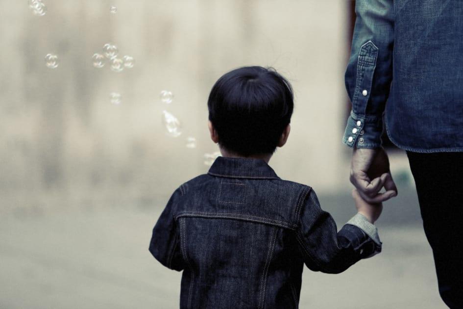 Foraldrarna lurar oss och barnen blir offer