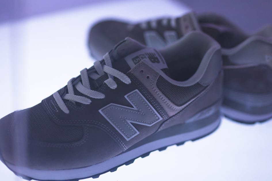 478c741b ICONIC - 574; GREY DAY VERDEN OVER - New Balance Norge