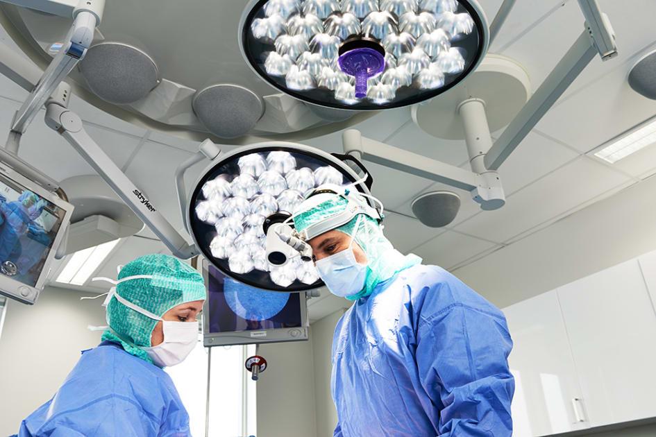 få bröstoperation av landstinget