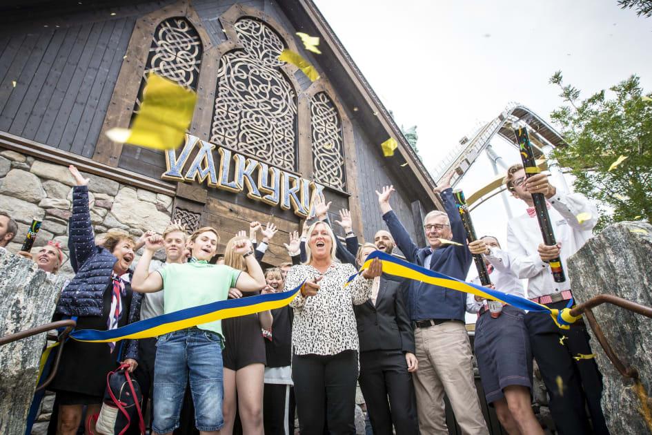 Idag var det premiär och invigning av Lisebergs nya berg- och dalbana  Valkyria. Lisebergs storsatsning Valkyria slår både rekord som Europas  högsta och ... 89656aeed8d6c