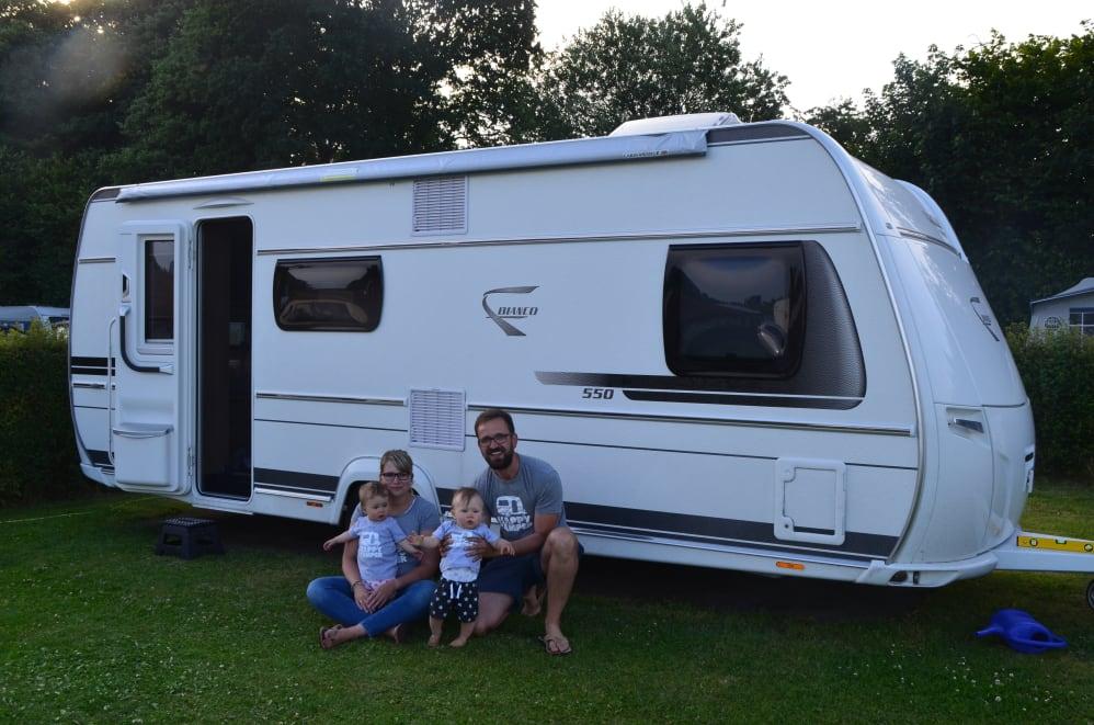 Wohnwagen Mit Etagenbett Im Heck : Familie heck geht campen teil 12 fendt caravan gmbh