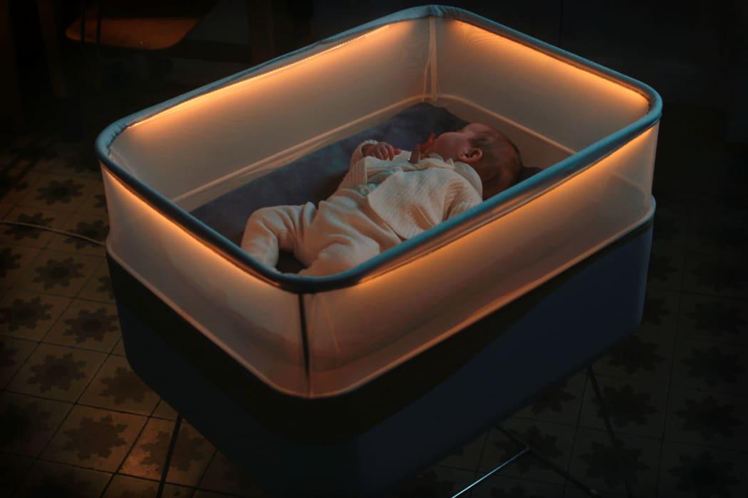 cleveres kinderbett simuliert autofahrten damit kinder zu. Black Bedroom Furniture Sets. Home Design Ideas