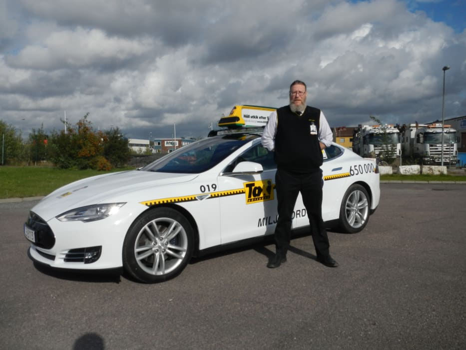 Tesla S Och Arn 233 Rosen 229 Kare I Taxi G 246 Teborg Taxi G 246 Teborg