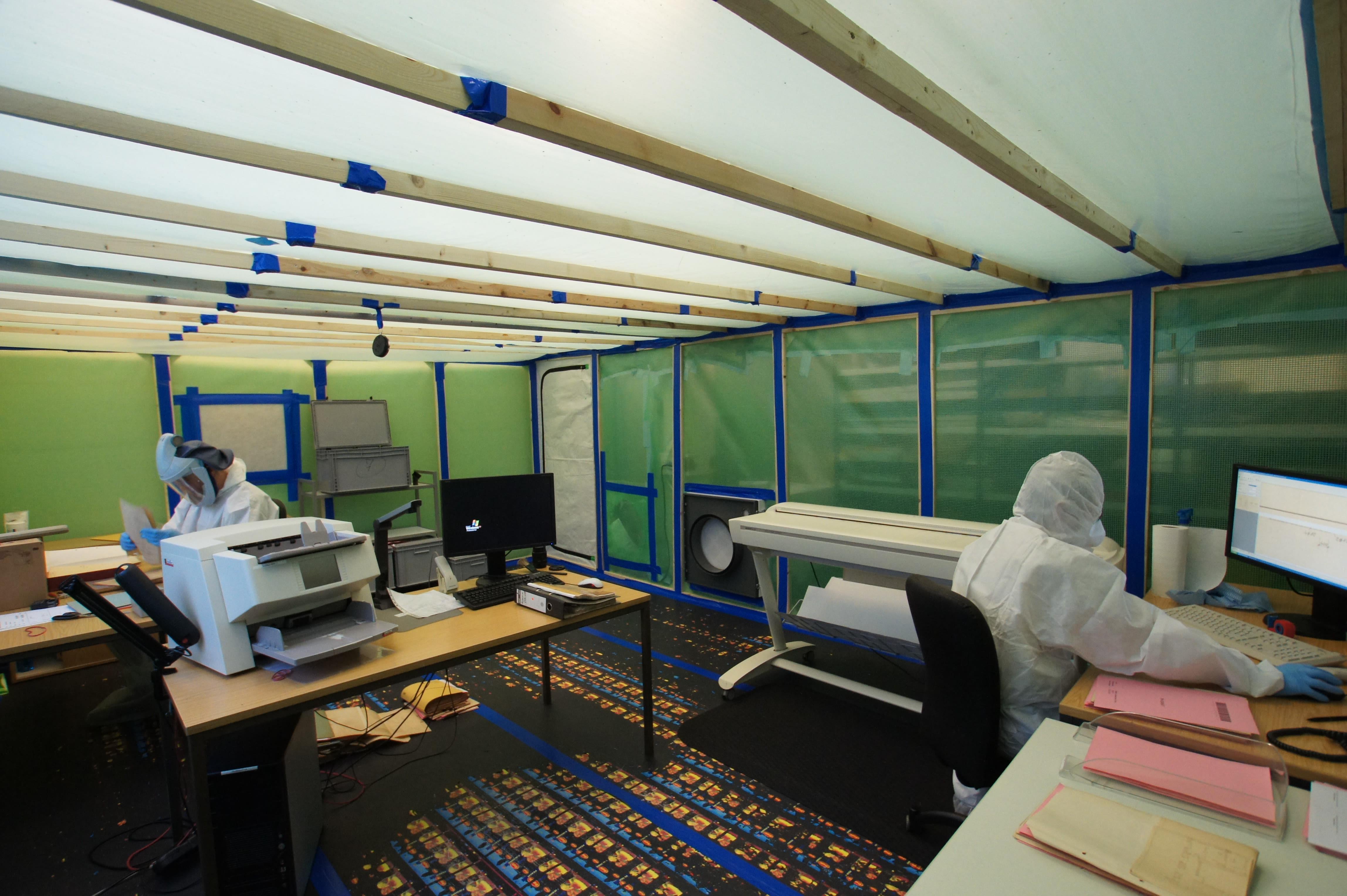 berliner scandienstleister k mpft gegen schimmel. Black Bedroom Furniture Sets. Home Design Ideas