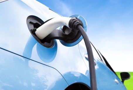 Är du nyfiken på elbilar eller intresserad av att sätta upp en laddplats?
