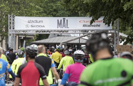 Nästan 20 000 cyklister kämpade runt Vättern
