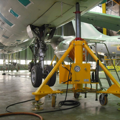 Global Tripod Jack for Military Aircraft Market Trends & Forecast to 2023- Industry Analysis by Geographical Regions, Type and Application