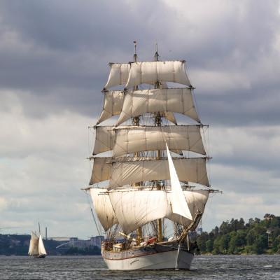 Briggen Tre Kronor kommer till Hudiksvall
