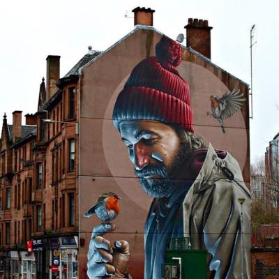 Huipputaiteilija aloittaa muraalin maalaamisen Kotkassa viikonloppuna