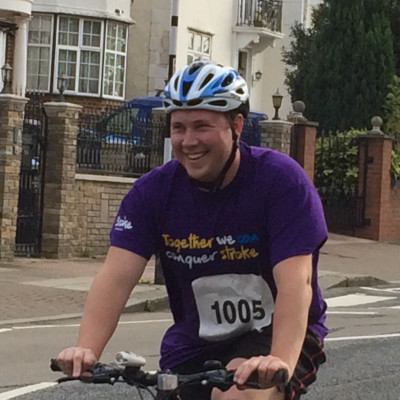 Thame family takes on Resolution Run for the Stroke Association