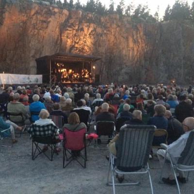 I Bergakungens sal - en geologisk och musikalisk upplevelse i Brånahults bergbrott