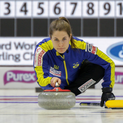Curling-VM: Premiärseger mot Danmark för lag Hasselborg