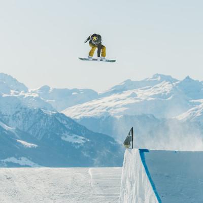 Silje Norendal på første treningsdag i Laax. Eneste dag med sol. Foto: Glenn C. Pettersen / Snowboardforbundet